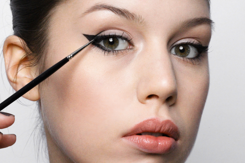 how to get a thick organic eyeliner tutorial mochni