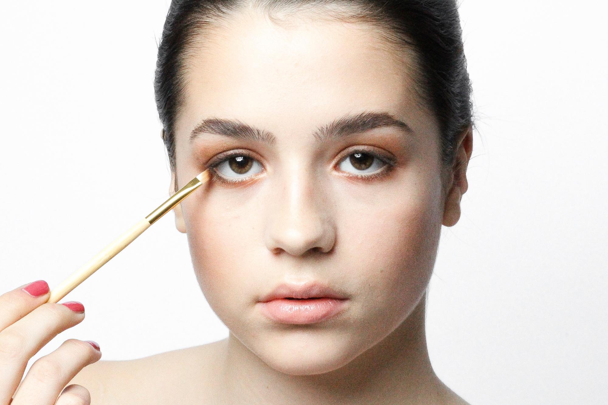 To apply daytime soft smokey eyes in only 3 steps how to apply daytime soft smokey eyes in only 3 steps baditri Images