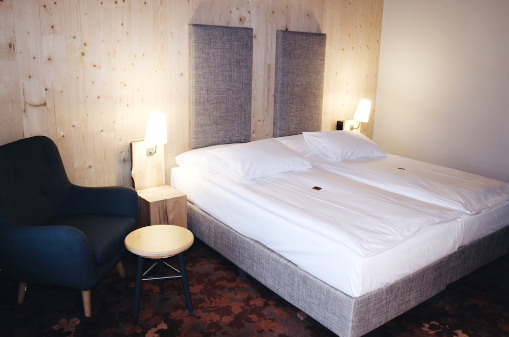 eco hotel hamburg waelderhaus bedroom mochni