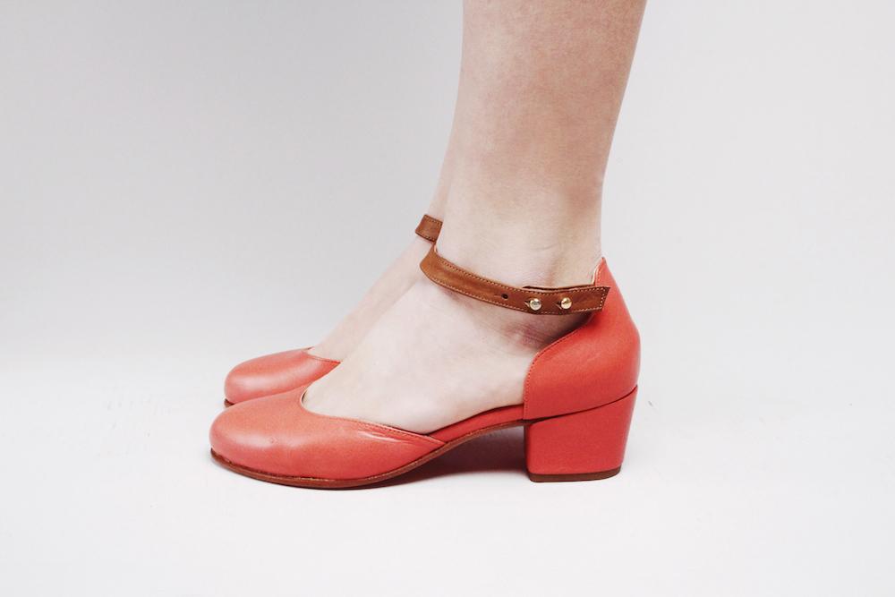 nine to five sandals mochni.jpg