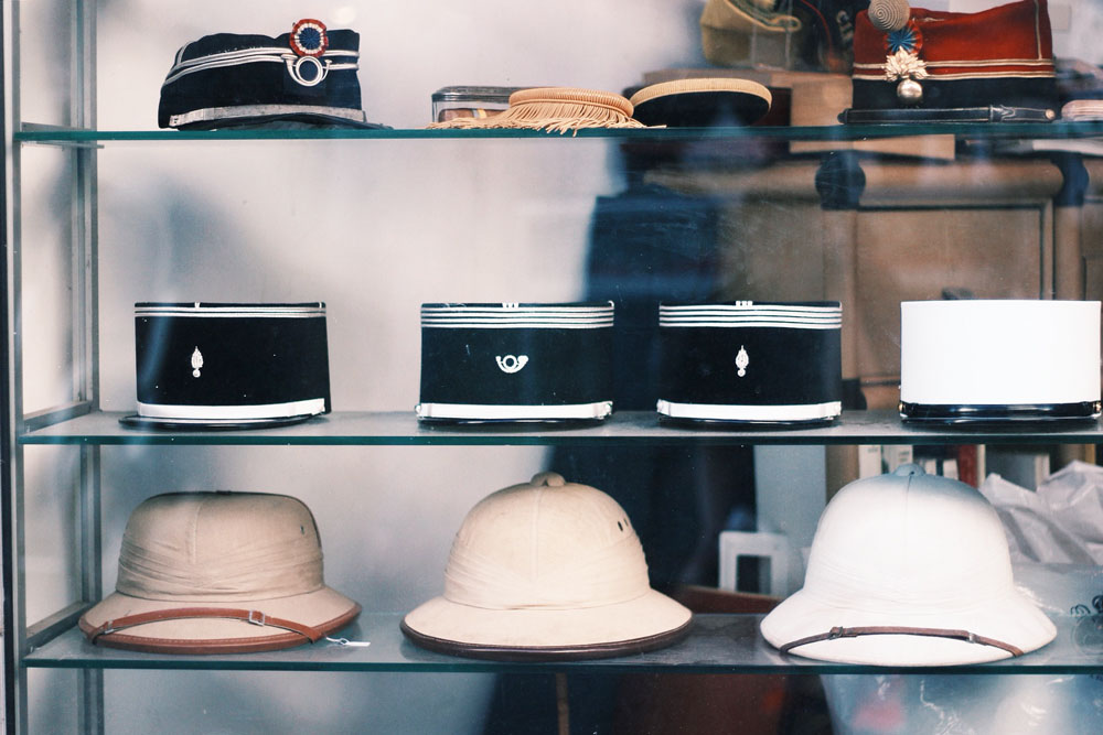 postman hat marche vernaison paris mochni