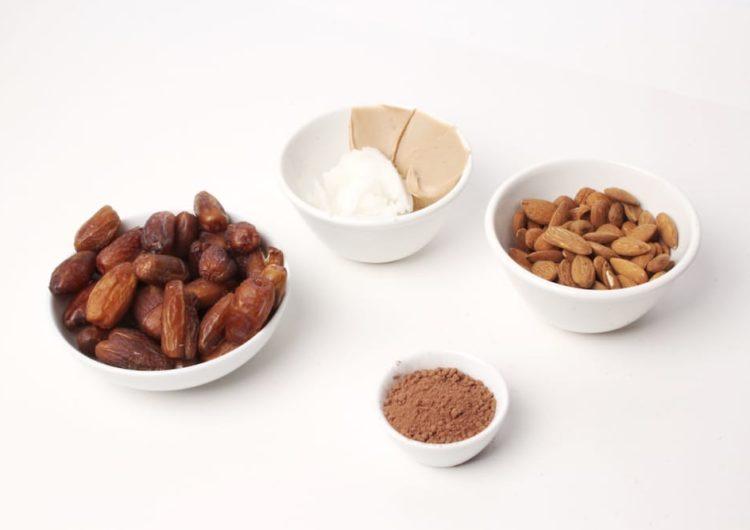 5-Ingredients Energy Bites: Vegan, Raw, Natural, Delicious