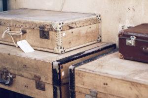antique leather suitcase marche vernaison paris mochni