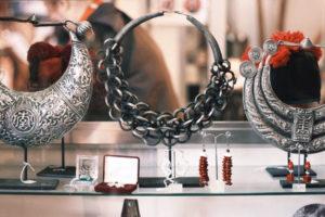 ethno necklace marche vernaison paris mochni